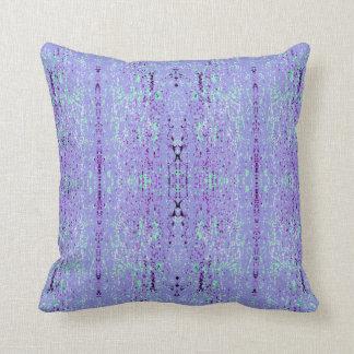 """Cojín Decorativo Modelo púrpura y verde de la """"inclinación"""""""