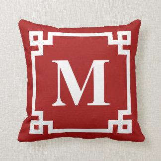 Cojín Decorativo Monograma rojo y blanco de la frontera de la llave
