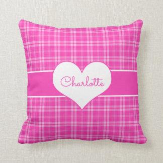 Cojín Decorativo Monograma rosado dulce del corazón de la tela