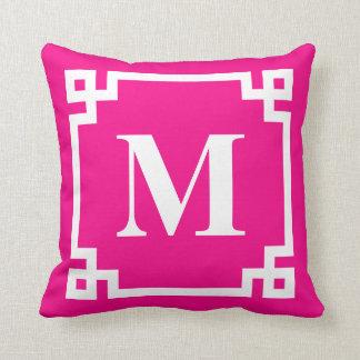 Cojín Decorativo Monograma rosado fucsia de la frontera de la llave