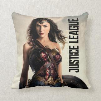 Cojín Decorativo Mujer Maravilla de la liga de justicia el   en