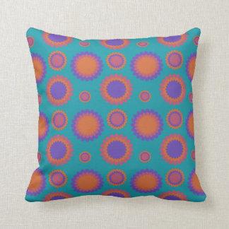 Cojín Decorativo Naranja púrpura verde azulado de las flores