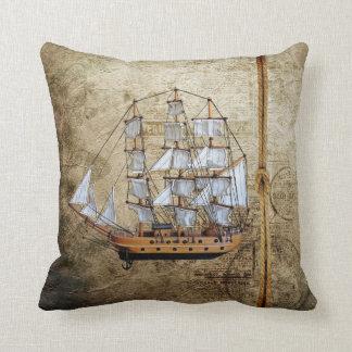 Cojín Decorativo Nave diseñada vintage con diseño de la cuerda