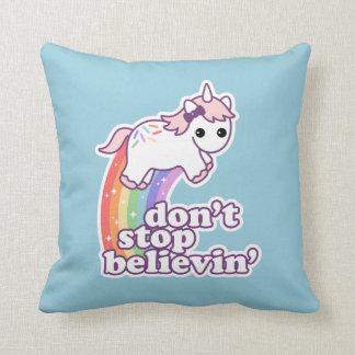 Cojín Decorativo No pare Believin en unicornios