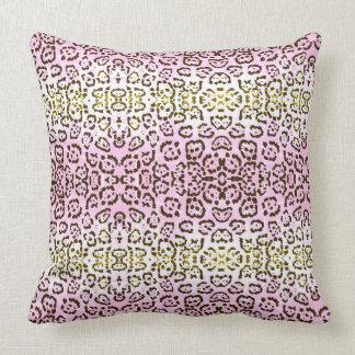 Cojín Decorativo Palidezca - el estampado de animales rosado del