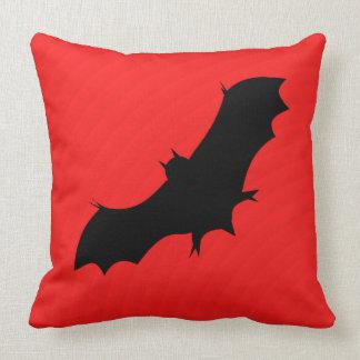 Cojín Decorativo Palo de Halloween en rojo
