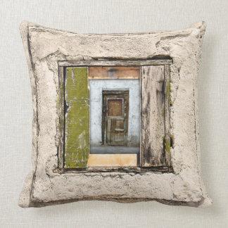 Cojín Decorativo Pared, ventana y puerta