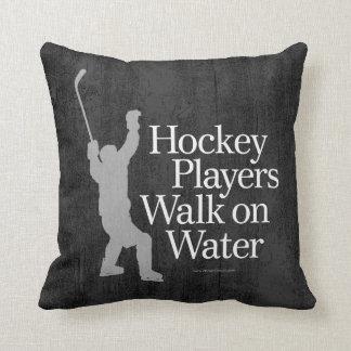 Cojín Decorativo Paseo de los jugadores de hockey en el agua