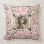 Cojín Decorativo Perlas de los rosas de la novia del Victorian del