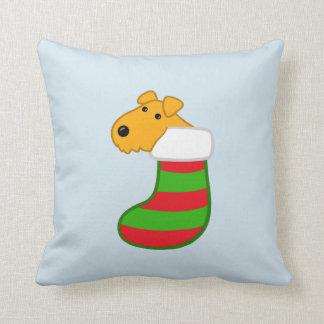 Cojín Decorativo Perro lindo de Airedale en el navidad que almacena