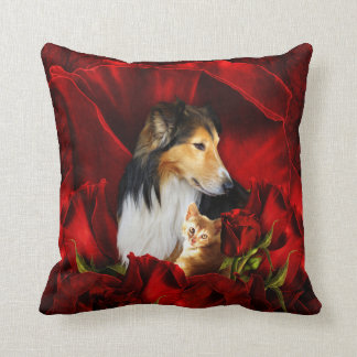 Cojín Decorativo Perro y gatito encajados en rosas rojos