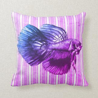 Cojín Decorativo Pescados púrpuras de Betta con las rayas