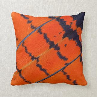 Cojín Decorativo Plumas anaranjadas y negras del Cockatoo