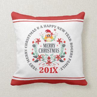 Cojín Decorativo Ramo del búho del navidad y tipografía de las