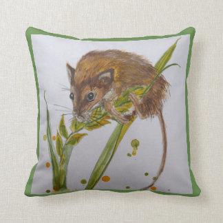 Cojín Decorativo Ratón de cosecha pequenito de los alces en el