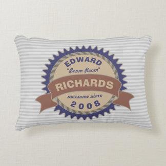 Cojín Decorativo Rayas azules del gris del logotipo de Brown del