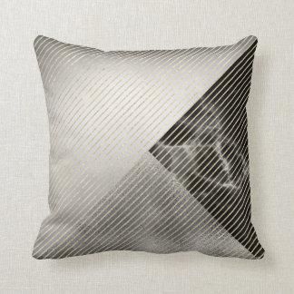 Cojín Decorativo Rayas metálicas de plata grises negras de mármol