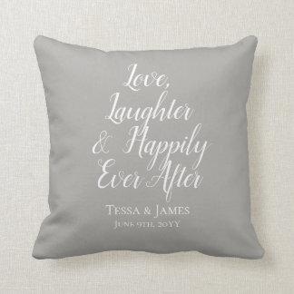 Cojín Decorativo Risa del amor feliz nunca después de la fecha que