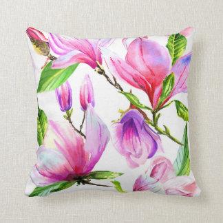 Cojín Decorativo Se ruborizan las flores rosadas y violetas de la
