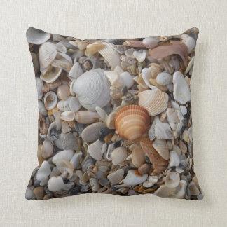 Cojín Decorativo Seashells en la orilla de mar