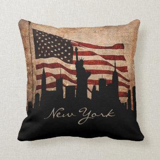 Cojín Decorativo Señal rústica del horizonte el   de Nueva York de
