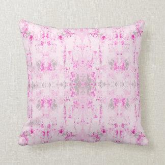 """Cojín Decorativo """"Siga"""" el modelo rosado y gris"""