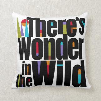 Cojín Decorativo Siga su viaje de Dreams.Love. ¡Personalizable!