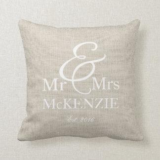 """Cojín Decorativo """"Sr. y la señora"""" personalizaron con el falso"""