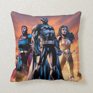 Cojín Decorativo Superhombre, Batman, y trinidad de la Mujer