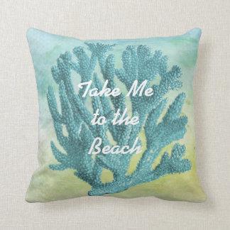 Cojín Decorativo Tema coralino de la playa de la acuarela de las