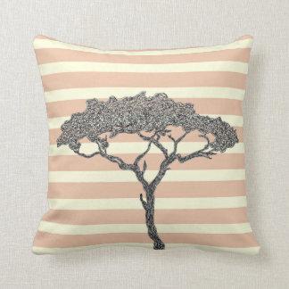 Cojín Decorativo Tinta africana del negro del árbol en las rayas