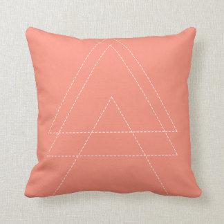 Cojín Decorativo Triángulo moderno rosado