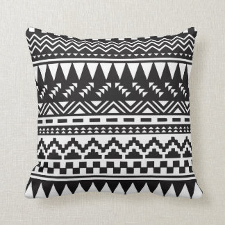Cojín Decorativo Tribal azteca blanco y negro