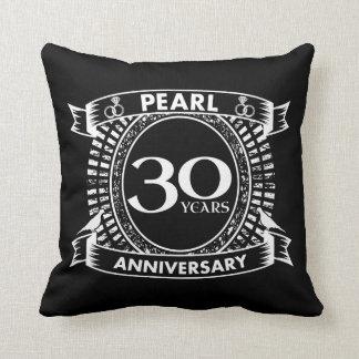 Cojín Decorativo trigésimo escudo de la perla del aniversario de