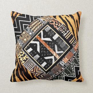 Cojín Decorativo Un adorno gráfico africano del collage