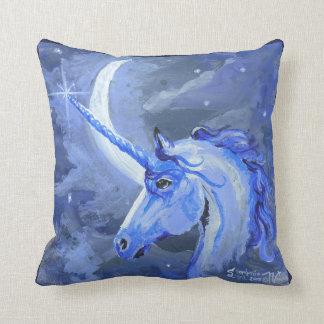 Cojín Decorativo Unicornio lunar