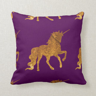 Cojín Decorativo Unicornio Prancing de oro mágico en final