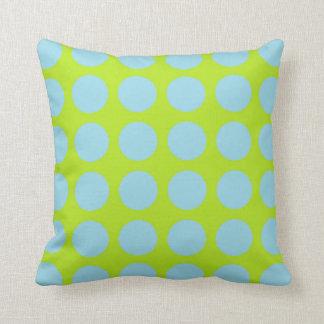 Cojín Decorativo Verde lima azul en colores pastel de los lunares