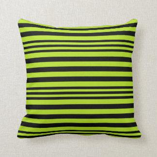 Cojín Decorativo Verde lima y rayas negras X 3