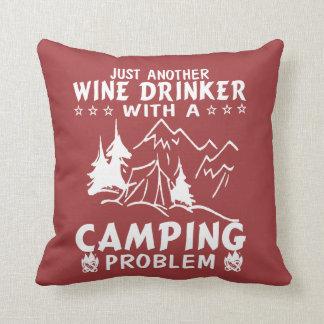 Cojín Decorativo Vino y el acampar
