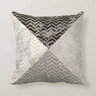 Cojín Decorativo Zigzag negro de mármol Chevron del metal del oro