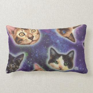 Cojín Lumbar cara del gato - gato - gatos divertidos - espacio