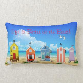 Cojín Lumbar Casas de playa brillantes, modernas