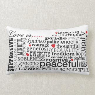 Cojín Lumbar El amor es amor, materia de las palabras