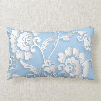 Cojín Lumbar Flores blancas en azules cielos