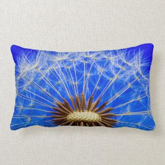 Cojín Lumbar Fotografía del cielo azul del reloj del diente de
