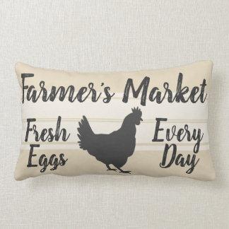 Cojín Lumbar Gallina fresca de los huevos del mercado del
