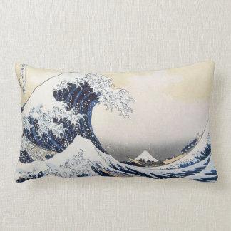 Cojín Lumbar Gran onda de Kanagawa por Hokusai