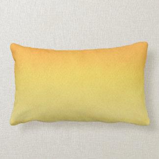 Cojín Lumbar Lavado amarillo ambarino de la acuarela del