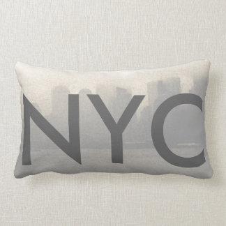 Cojín Lumbar Viaje del horizonte NYC CricketDiane de New York